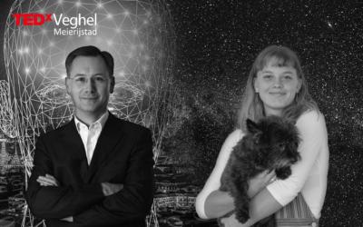"""Lotte Klaver en Willem Peter de Ridder, sprekers TEDxVeghel, """"kijken"""" beiden naar de toekomst"""